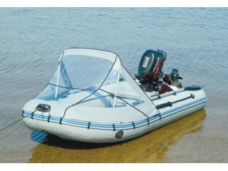 Прозрачный носовой тент на лодку ГЛАДИАТОР 330